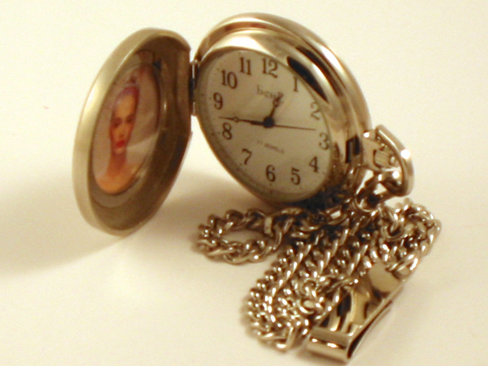 Wind Up Insert Photo Pocket Watch